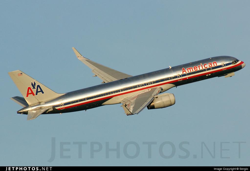 N7667A - Boeing 757-223 - American Airlines