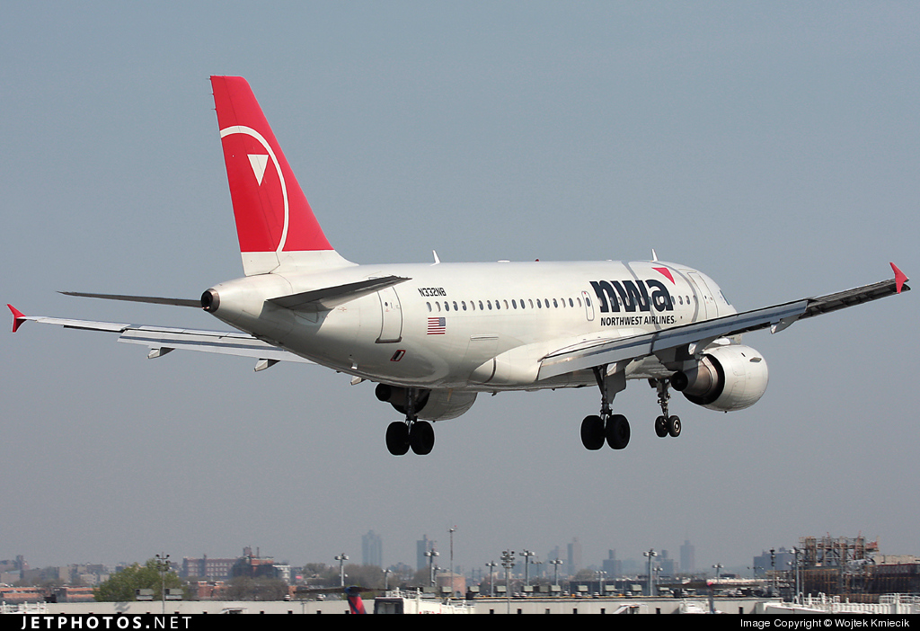 N332NB - Airbus A319-114 - Northwest Airlines