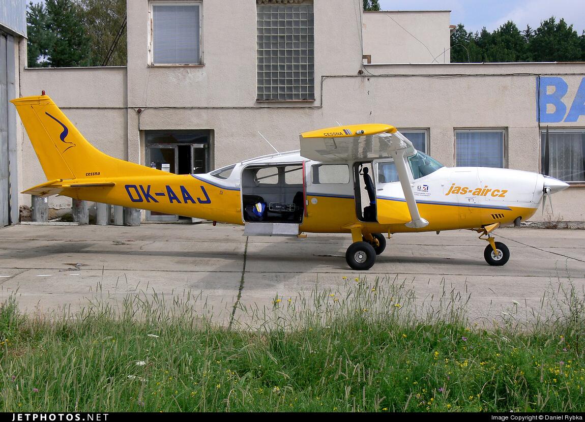 OK-AAJ - Cessna 207 Stationair 7 - Private