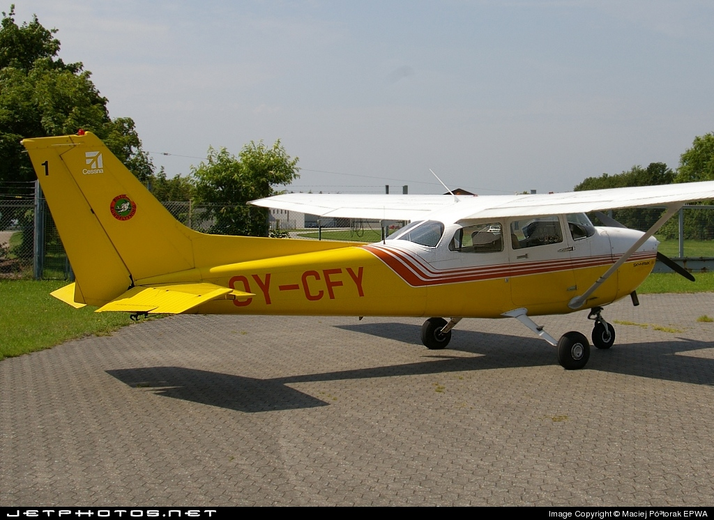 OY-CFY - Reims-Cessna F172P Skyhawk II - Private