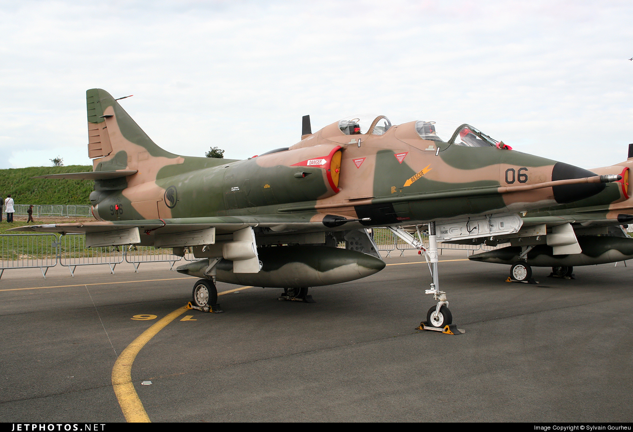 906 - McDonnell Douglas TA-4SU Skyhawk - Singapore - Air Force