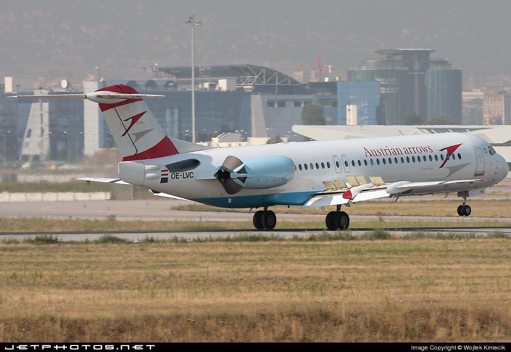 OE-LVC - Fokker 100 - Austrian Arrows