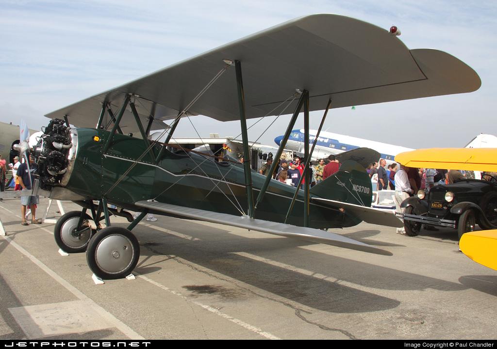 N8700 - Curtiss-Wright Travel Air 4000 - Private
