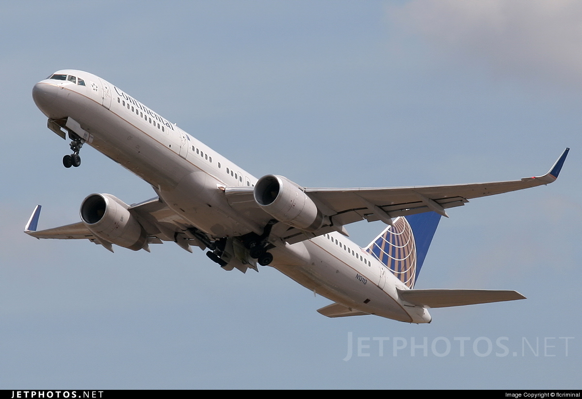 N13113 - Boeing 757-224 - Continental Airlines