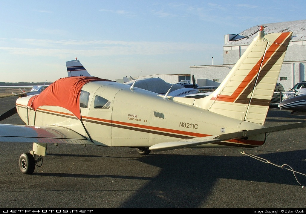 N8211C - Piper PA-28-181 Archer II - Private