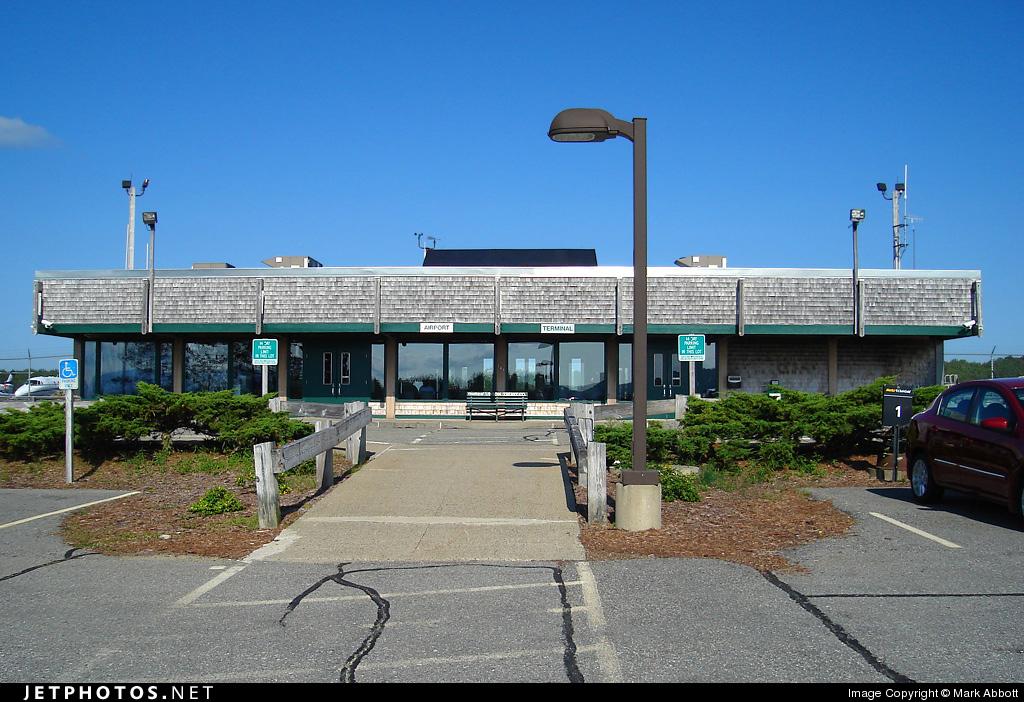 KBHB - Airport - Terminal
