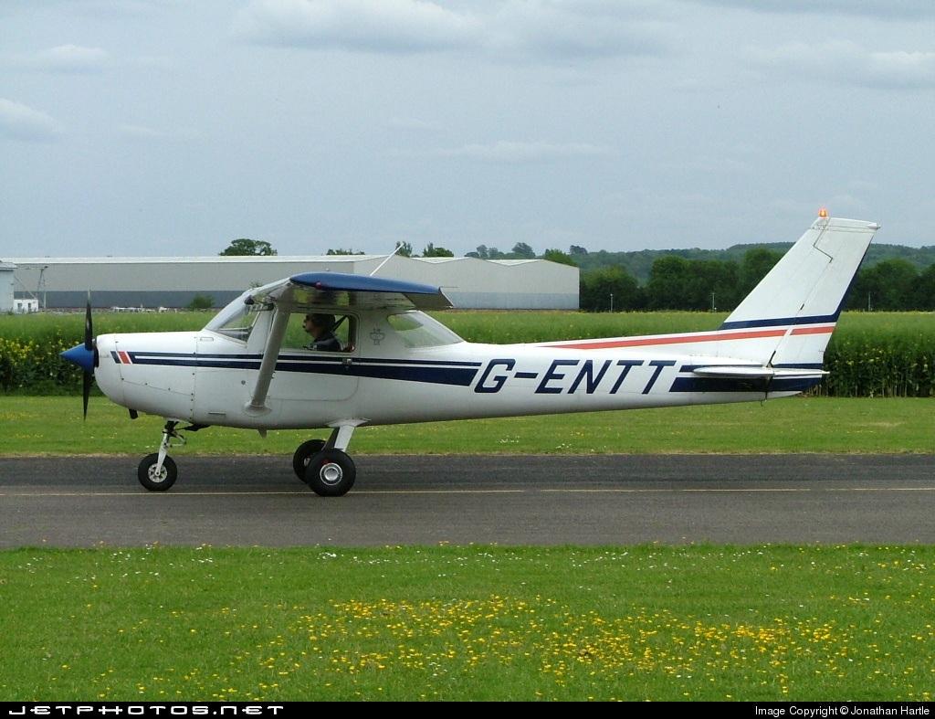 G-ENTT - Reims-Cessna F152 - Private