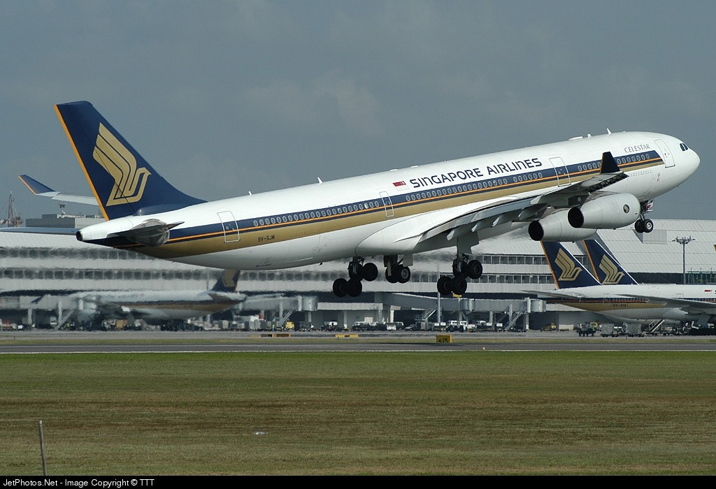 9V-SJM - Airbus A340-313X - Singapore Airlines