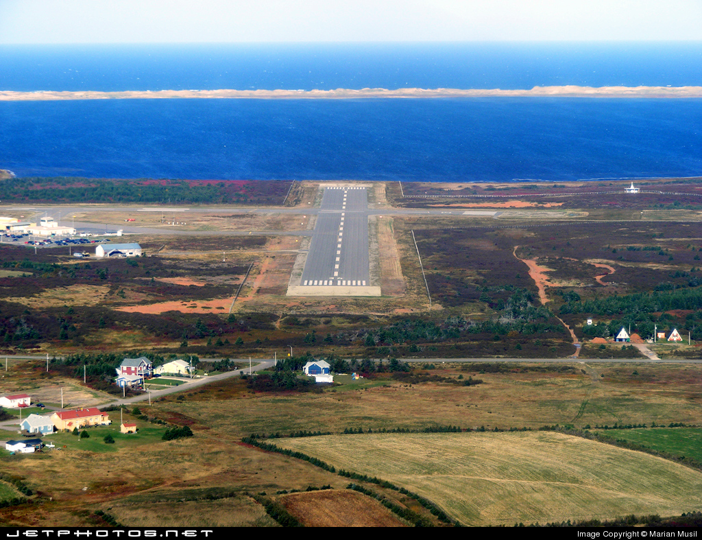 CYGR - Airport - Airport Overview