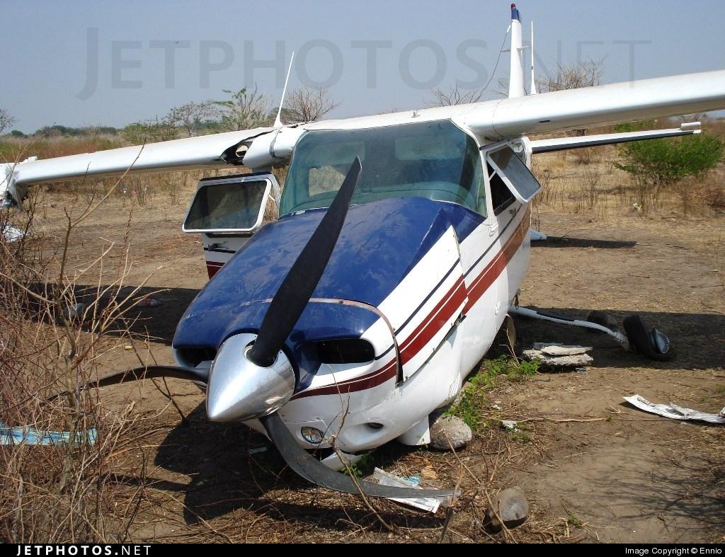 HR-AVG - Cessna 210N Centurion II - Private