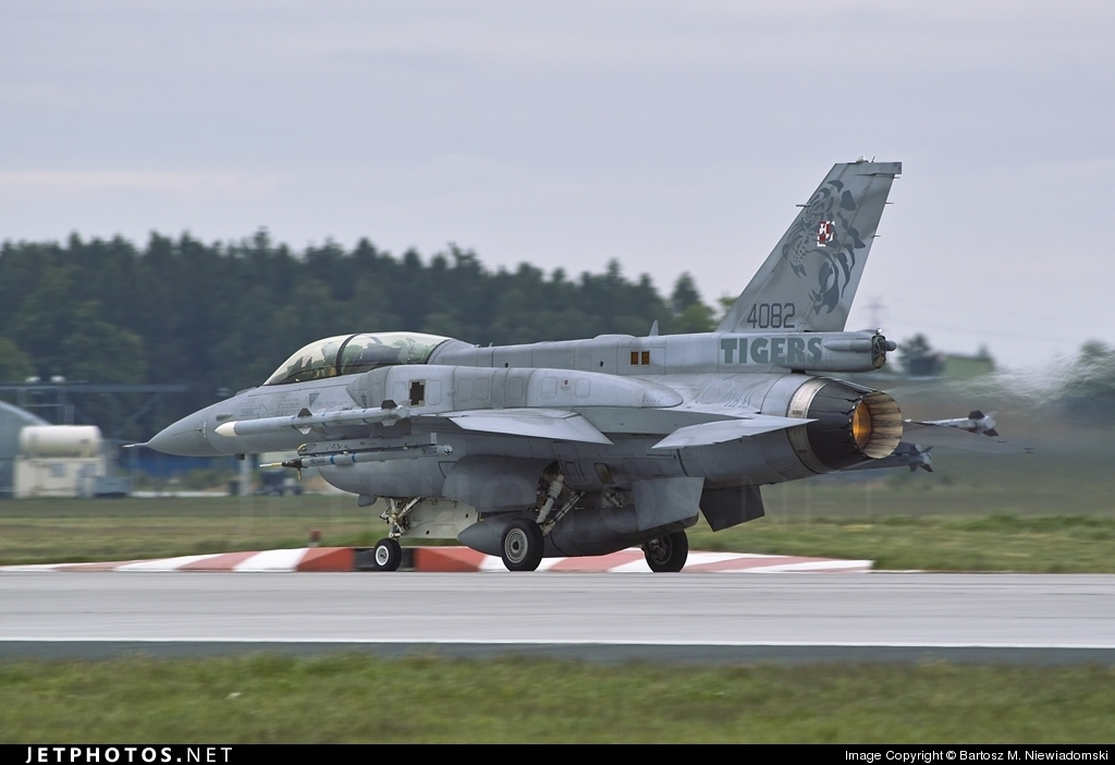 4082 - Lockheed Martin F-16D Fighting Falcon - Poland - Air Force