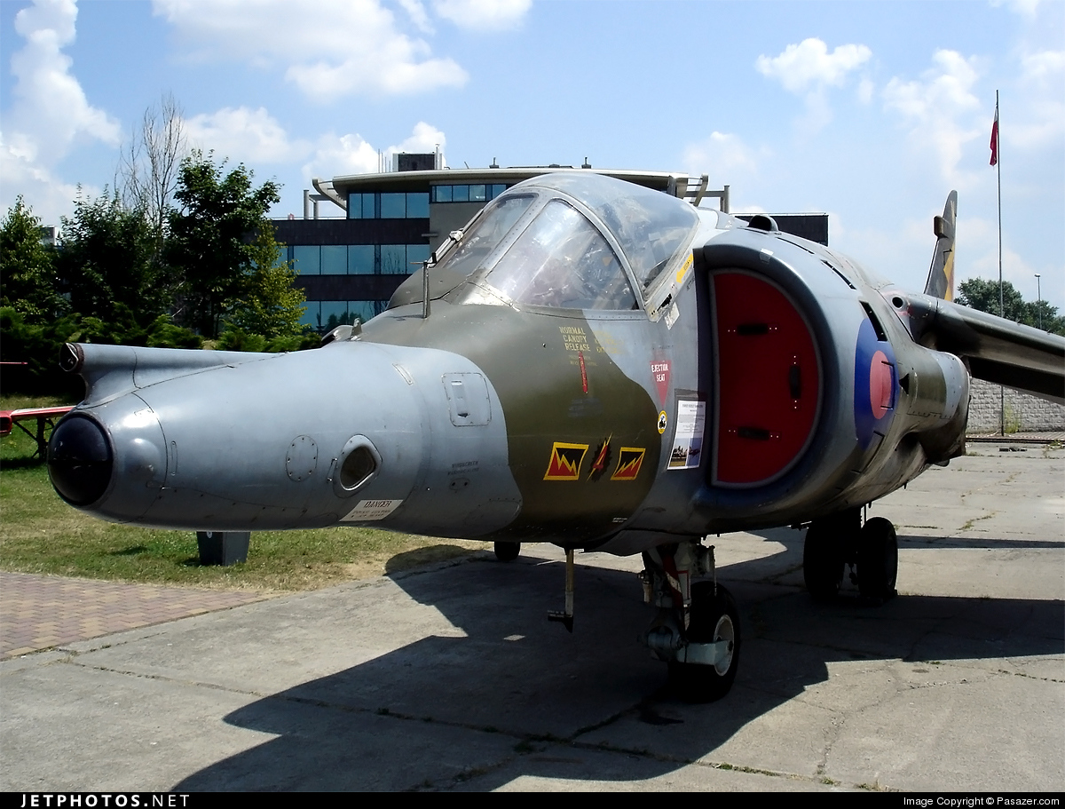 XW919 - Hawker Siddeley Harrier GR.3 - United Kingdom - Royal Air Force (RAF)