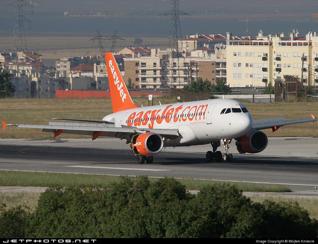 G-EZEB - Airbus A319-111 - easyJet