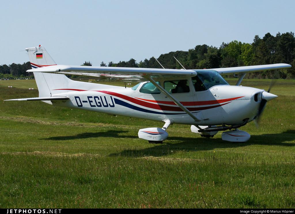 D-EGUJ - Cessna 172N Skyhawk II - Private