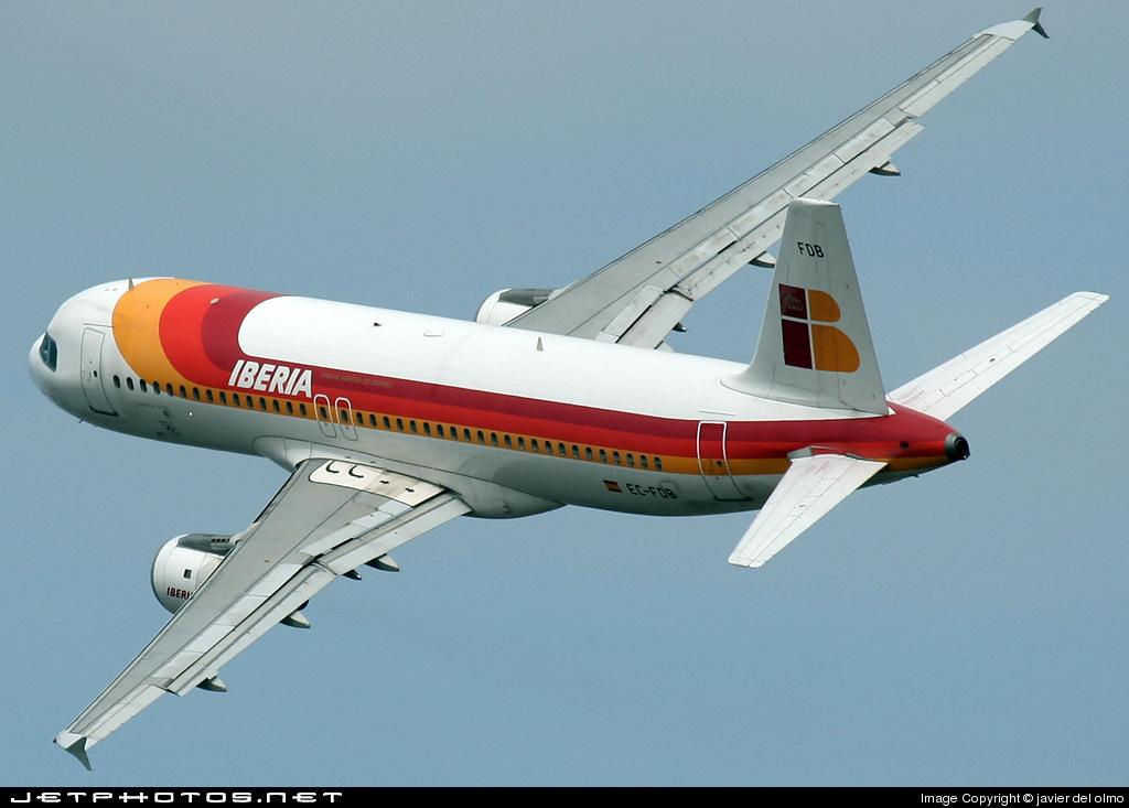 EC-FDB - Airbus A320-211 - Iberia