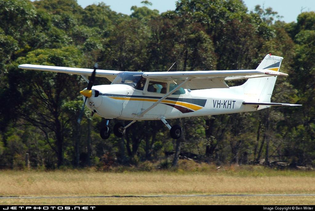 VH-KHT - Cessna 172N Skyhawk II - Warnervale Air