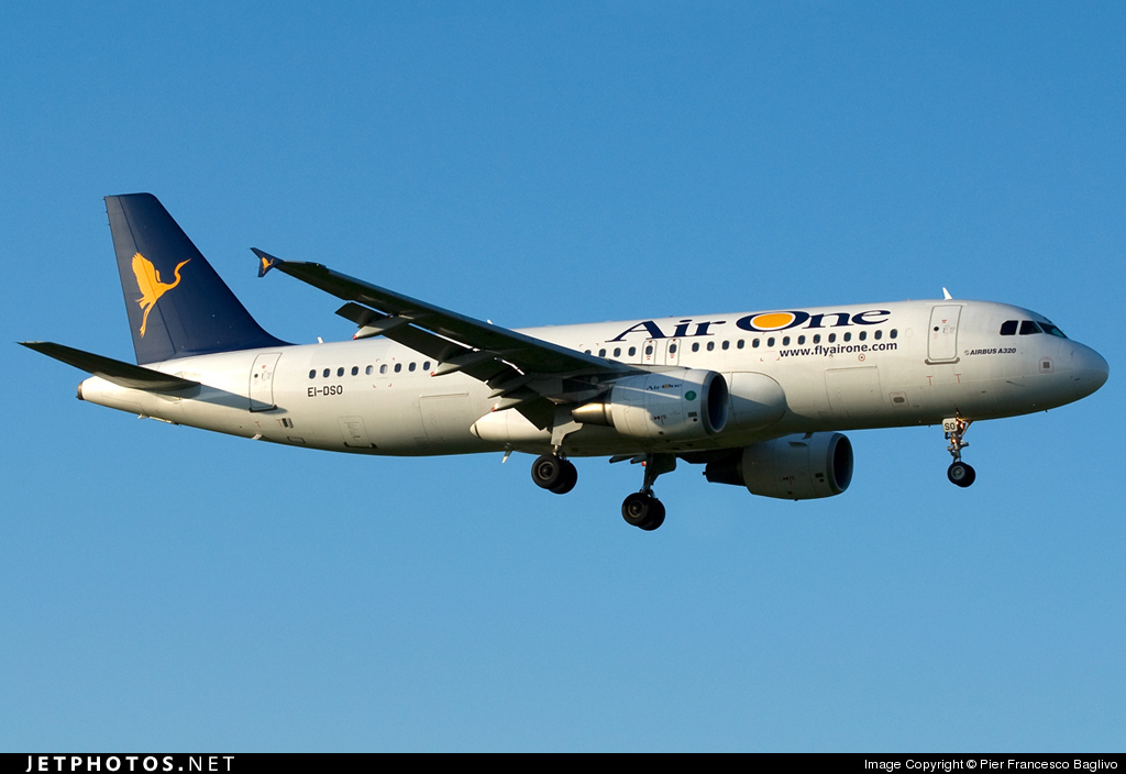 EI-DSO - Airbus A320-216 - Air One