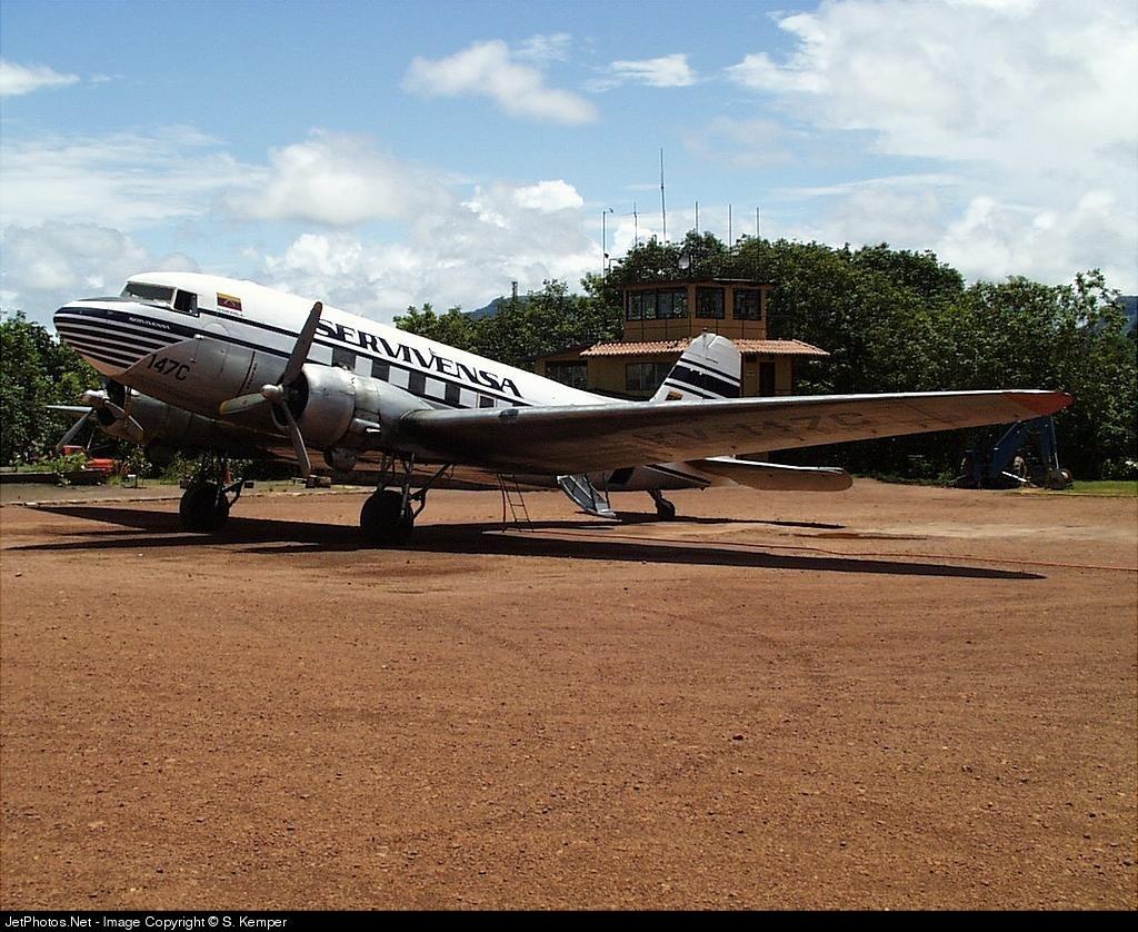 YV-147C - Douglas C-47A Skytrain - Servivensa