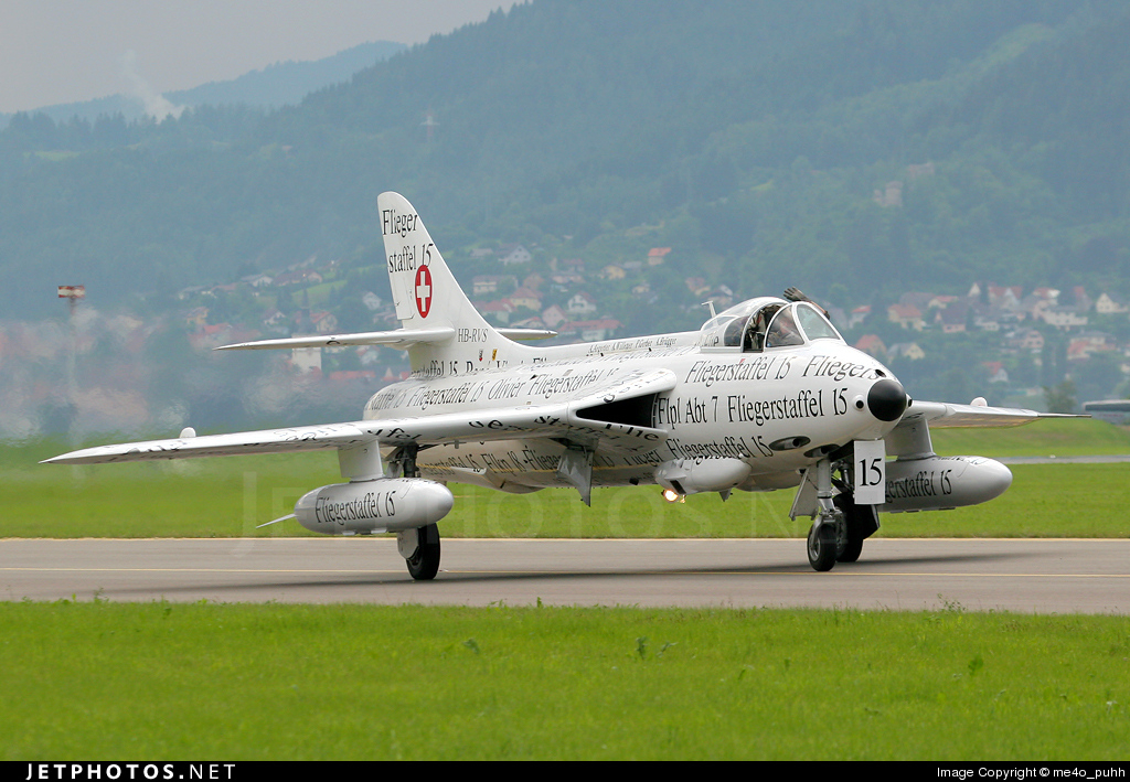 HB-RVS - Hawker Hunter F.58 - Private