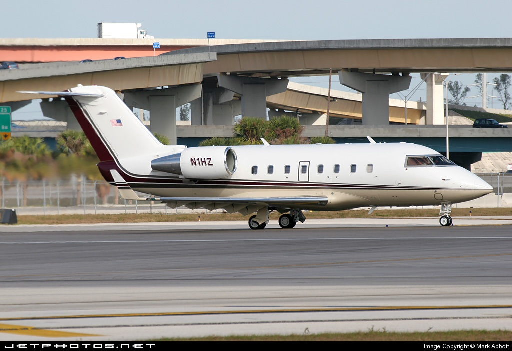 N1HZ - Bombardier CL-600-2B16 Challenger 601-3A - Private