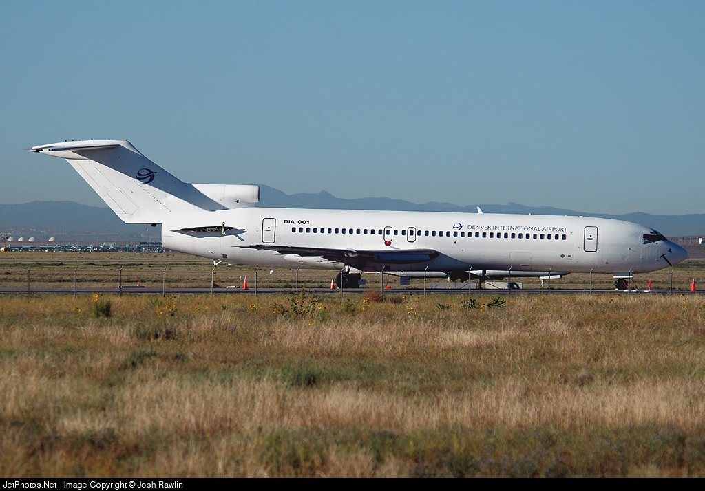 N7285U - Boeing 727-222(Adv) - Denver International Airport