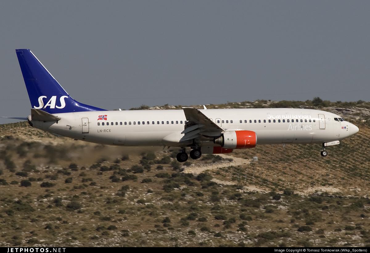LN-RCX - Boeing 737-883 - SAS Norge