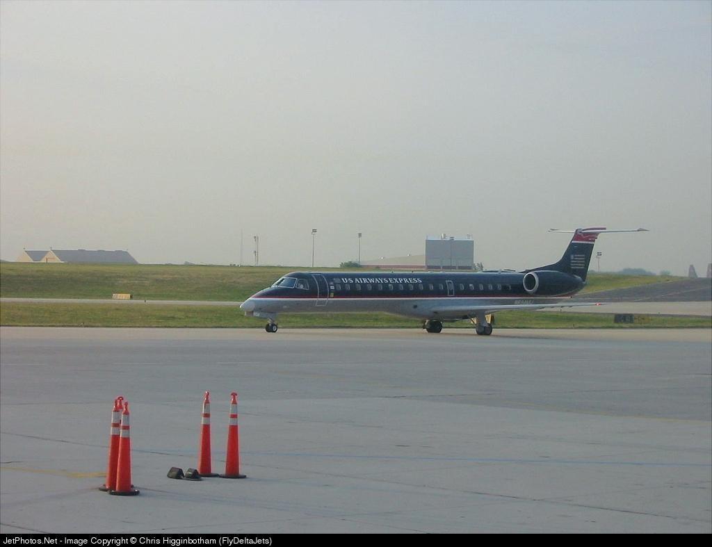 - Embraer ERJ-145LR - US Airways Express (Mesa Airlines)