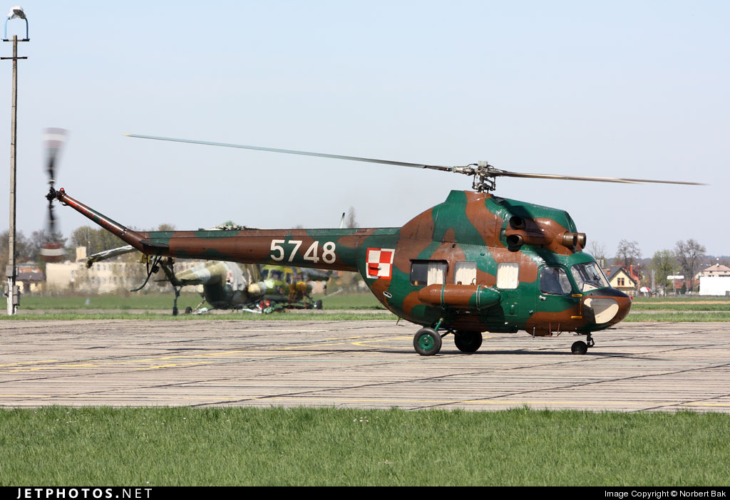 5748 - PZL-Swidnik Mi-2 Hoplite - Poland - Air Force