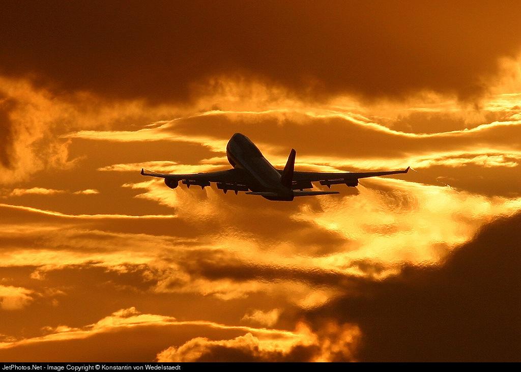 - Boeing 747-430 - Lufthansa
