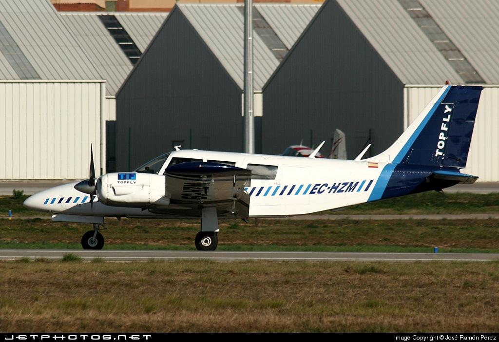 EC-HZM - Piper PA-34-200 Seneca - Top Fly