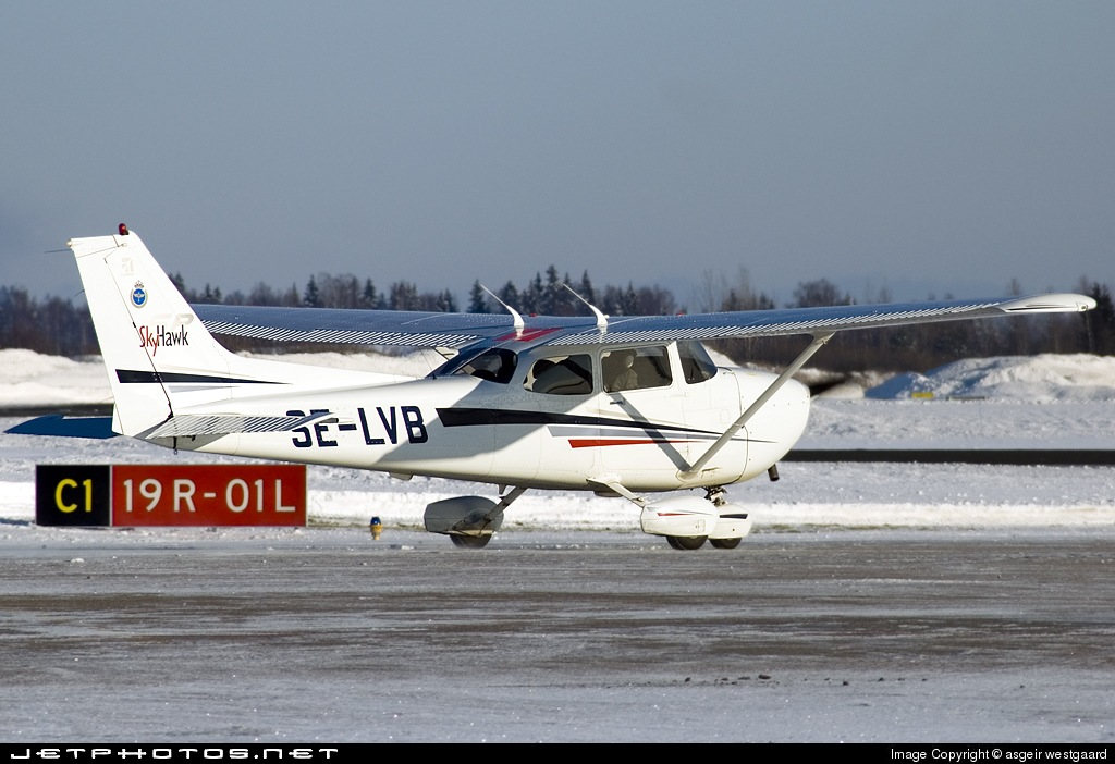 SE-LVB - Cessna 172S Skyhawk SP - Västkustflyg