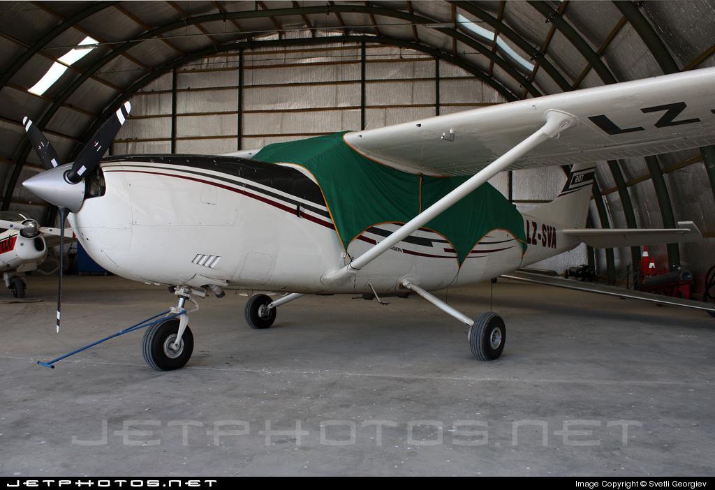 LZ-SVA - Cessna 207 Skywagon - AVA Flight Center