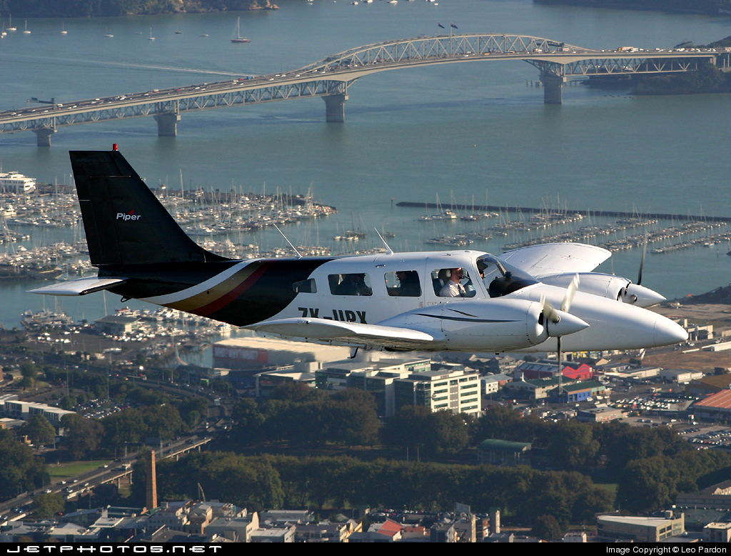ZK-UPX - Piper PA-34-220T Seneca III - Aero Club - Auckland