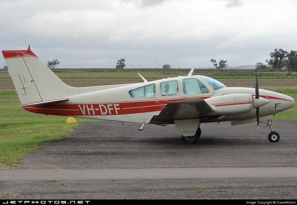 VH-DFF - Beechcraft 95-D55 Baron - Airspeed Aviation