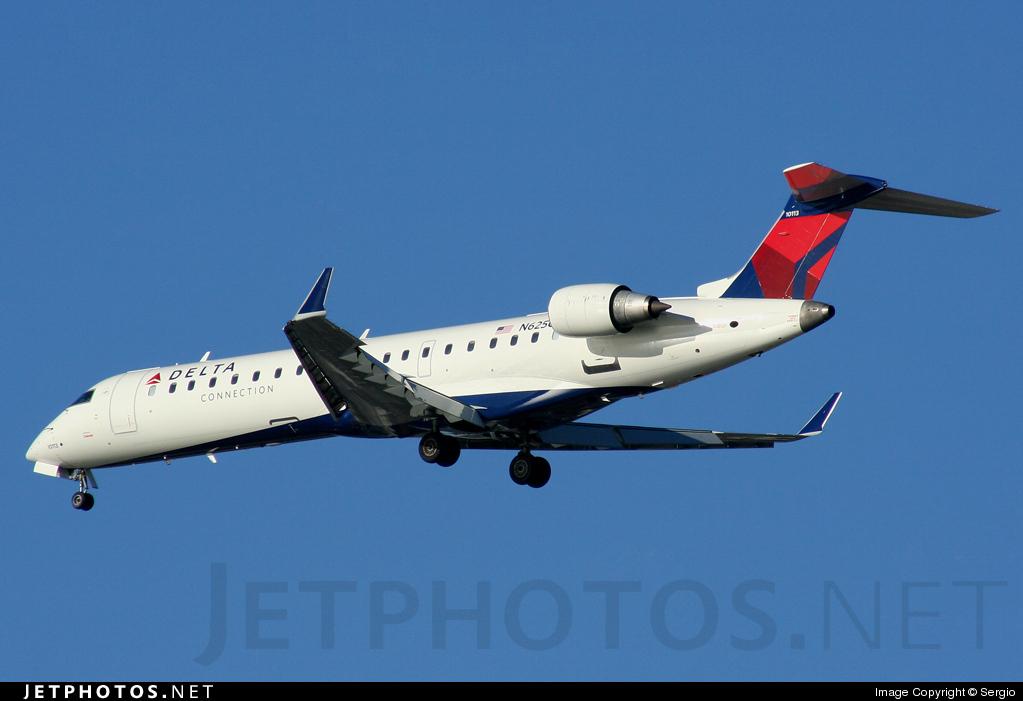N625CA - Bombardier CRJ-701ER - Delta Connection (Comair)