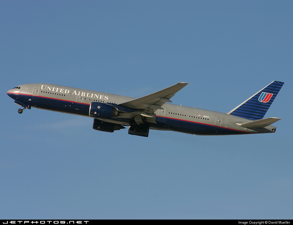N214UA - Boeing 777-222(ER) - United Airlines