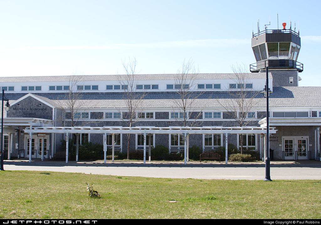 KMVY - Airport - Terminal