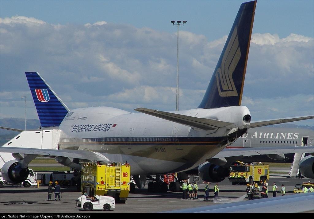 9V-SMT - Boeing 747-412 - Singapore Airlines