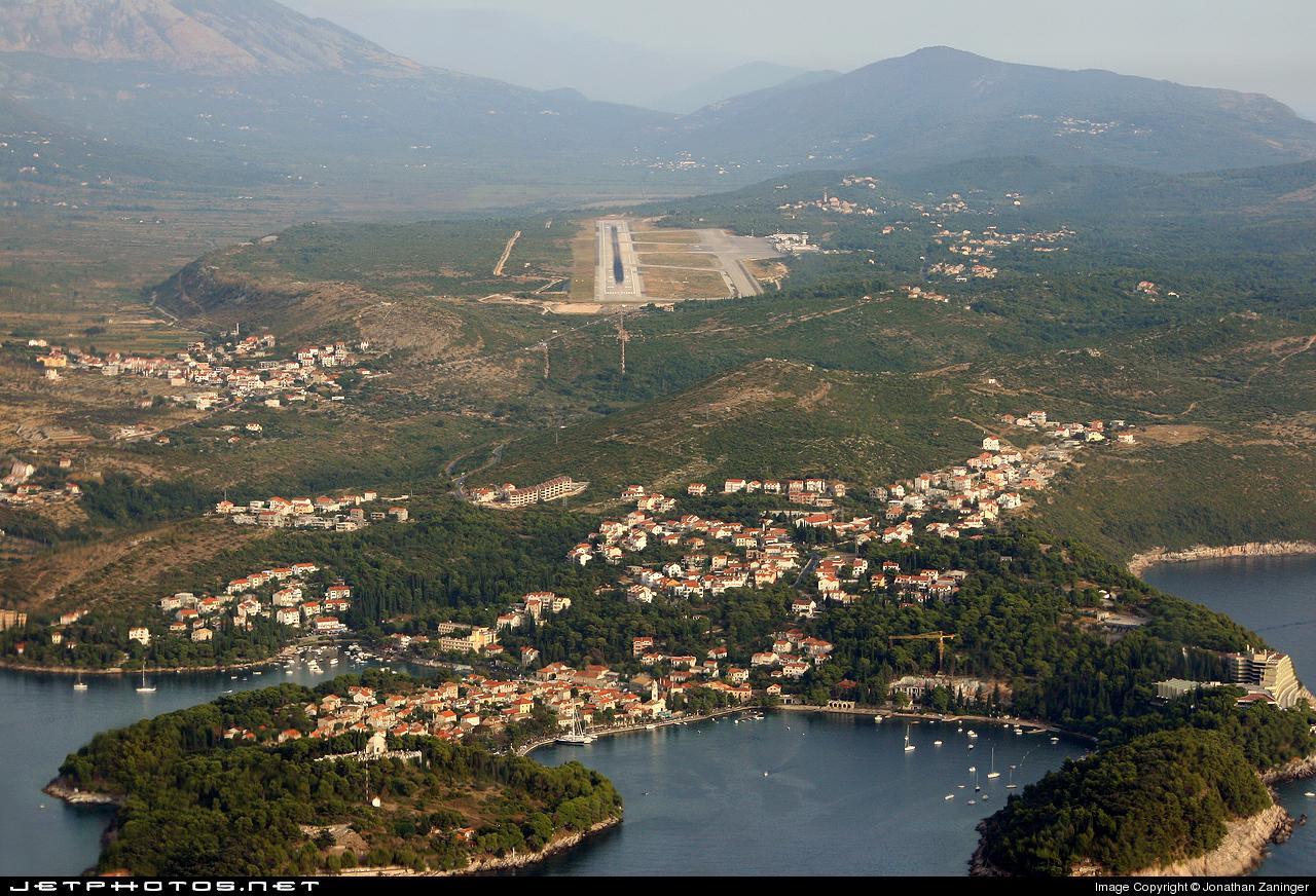 LDDU - Airport - Runway