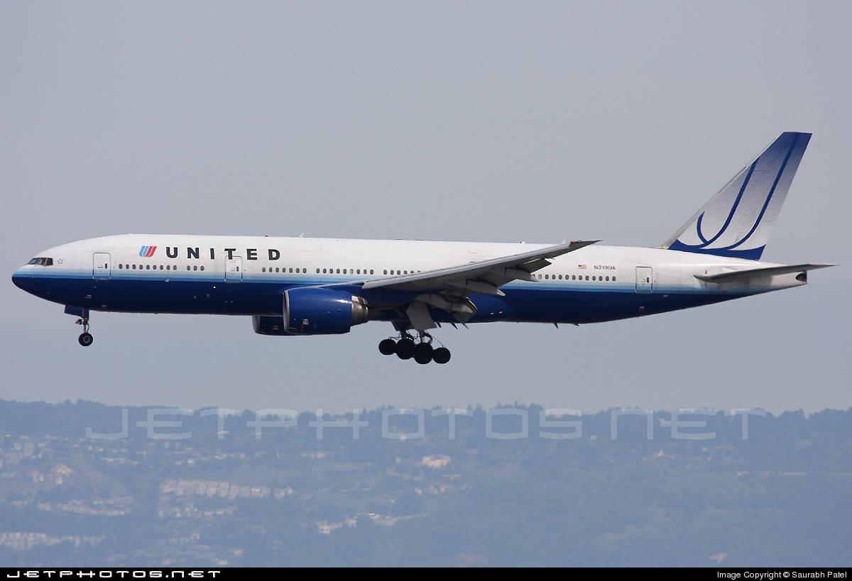 N219UA - Boeing 777-222(ER) - United Airlines