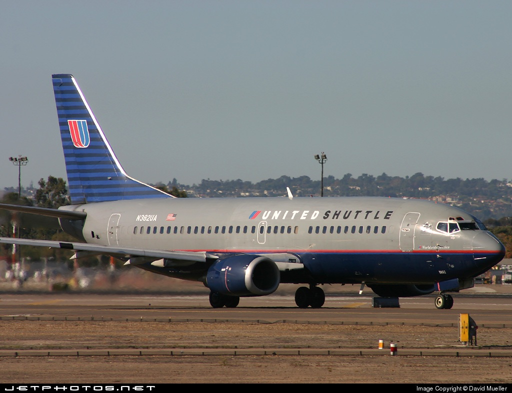 N382UA - Boeing 737-322 - Shuttle by United