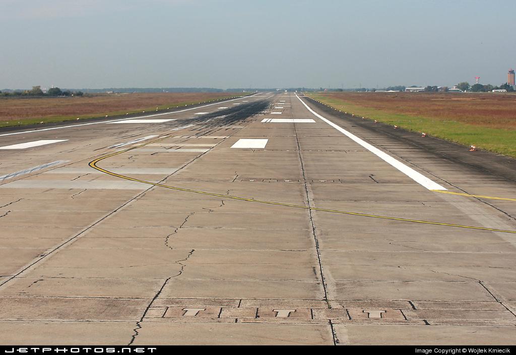 EDDB - Airport - Runway