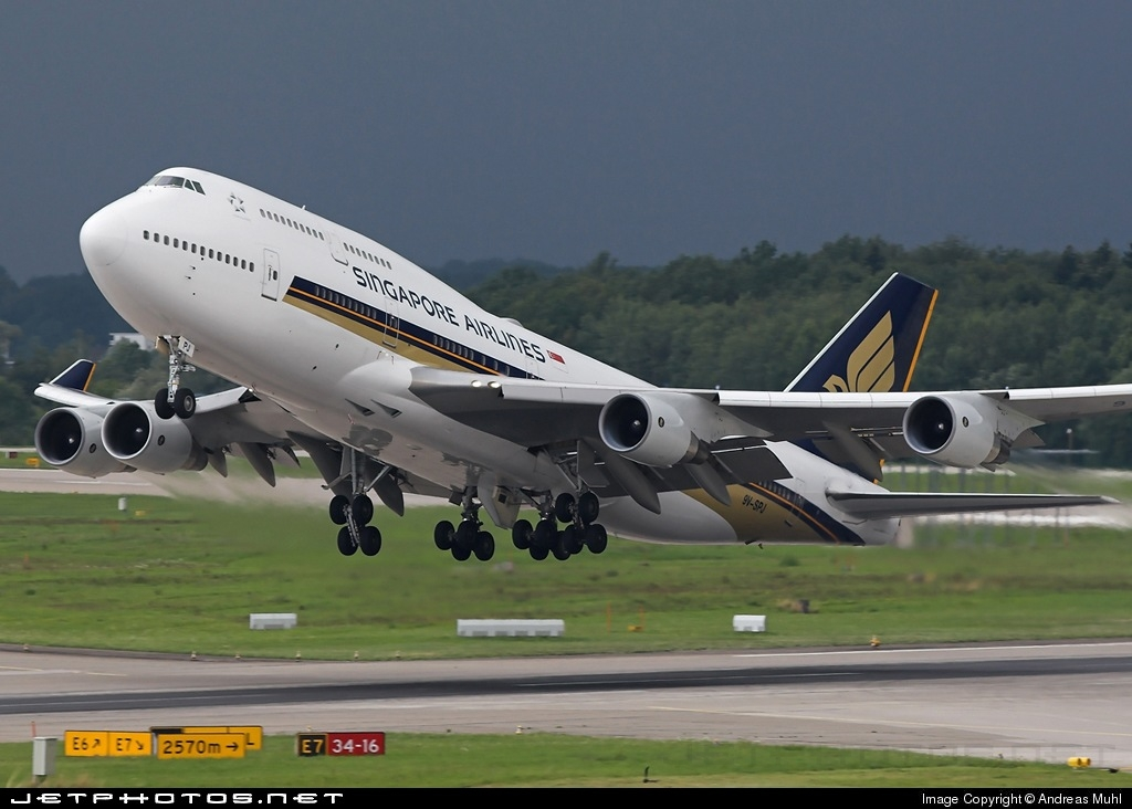 9V-SPJ - Boeing 747-412 - Singapore Airlines