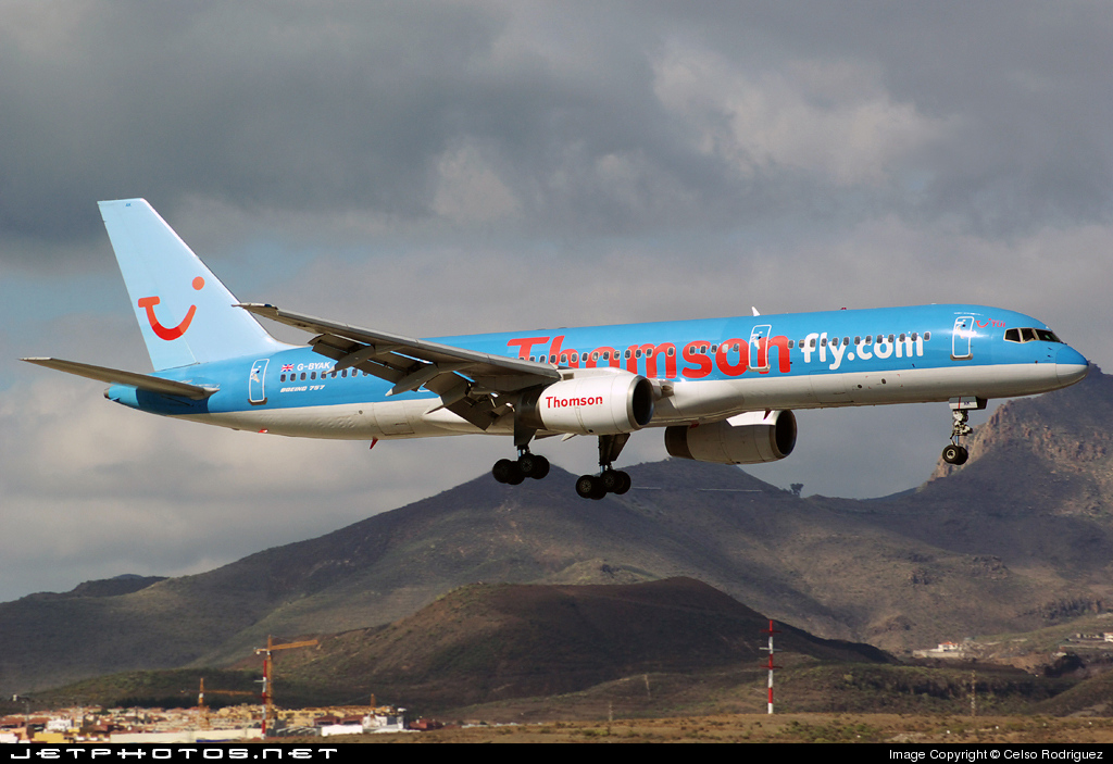 G-BYAK - Boeing 757-204 - Thomsonfly