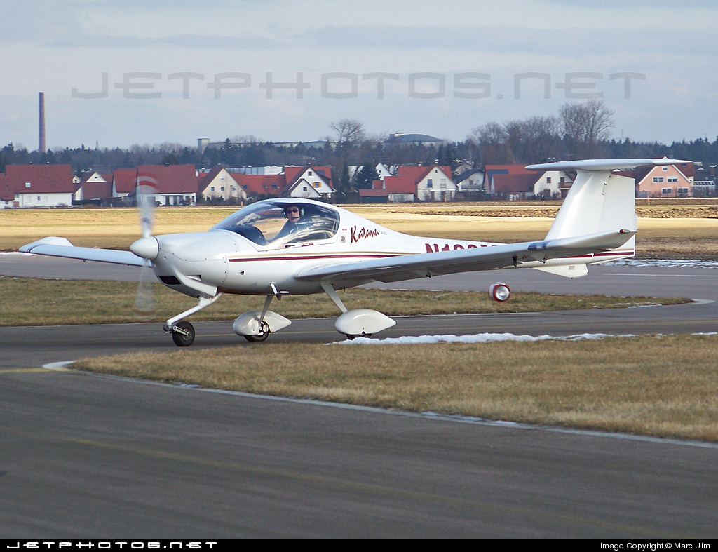 N128MF - Diamond DA-20-A1 Katana - Private