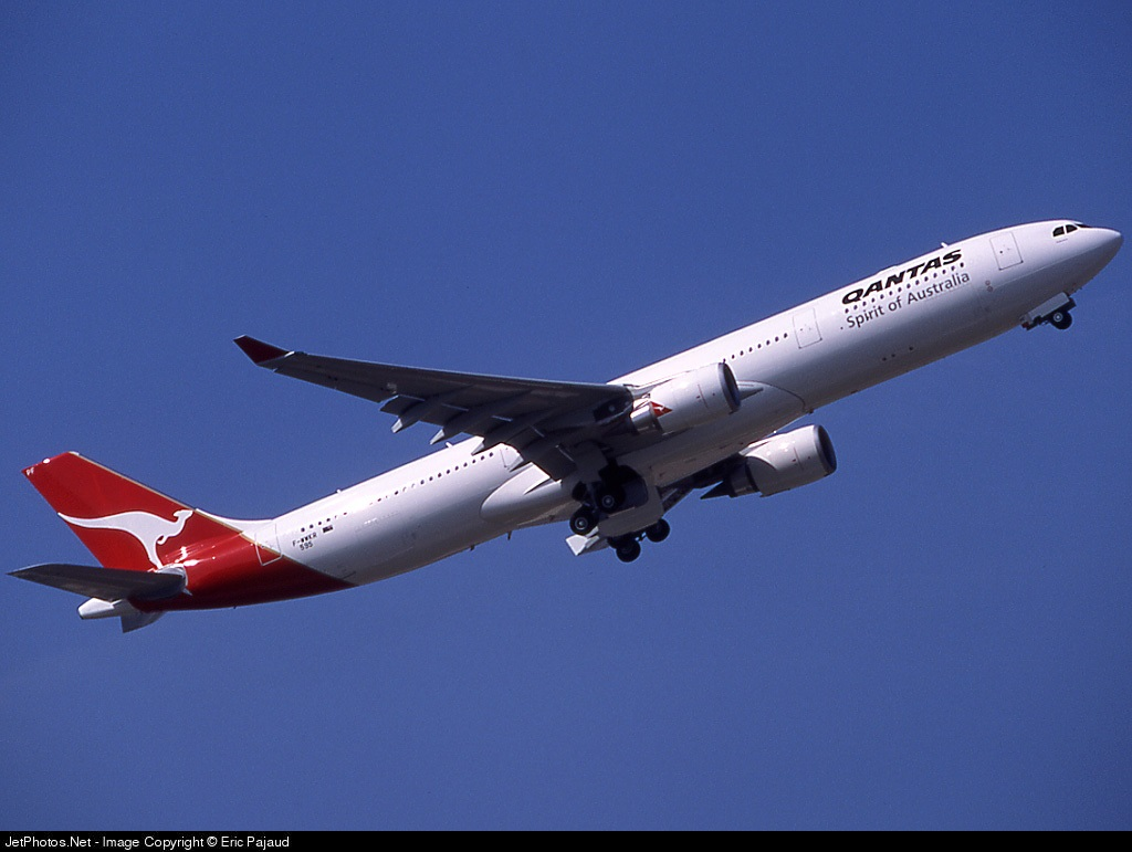 F-WWKR - Airbus A330-303 - Qantas