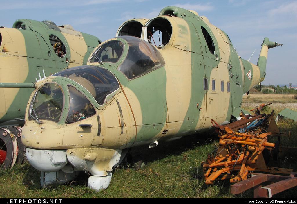 008 - Mil Mi-24D Hind D - Hungary - Air Force