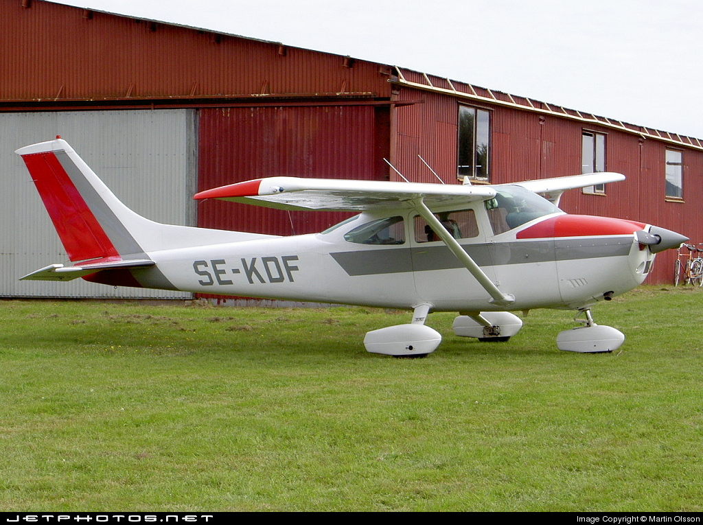 SE-KDF - Cessna 182P Skylane - Private