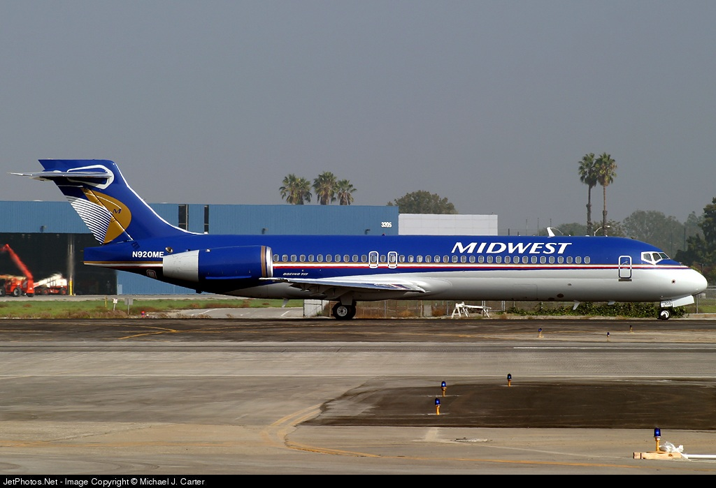 N920ME Boeing 717 2BL Midwest Airlines Michael J