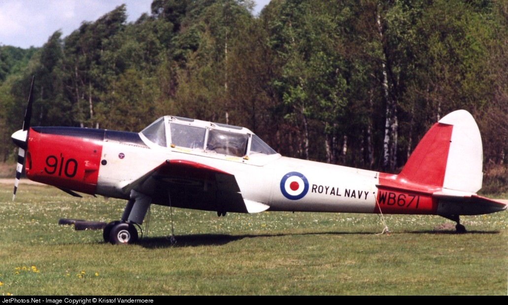 G-BWTG - De Havilland Canada DHC-1 Chipmunk 22 - Private